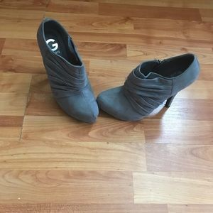 Gray guess ankle booties